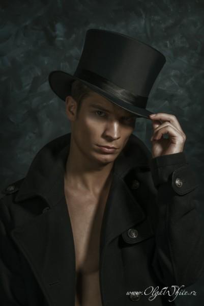 Шелковый/атласный мужской цилиндр-шляпу можно купить или заказать в интернет-магазине