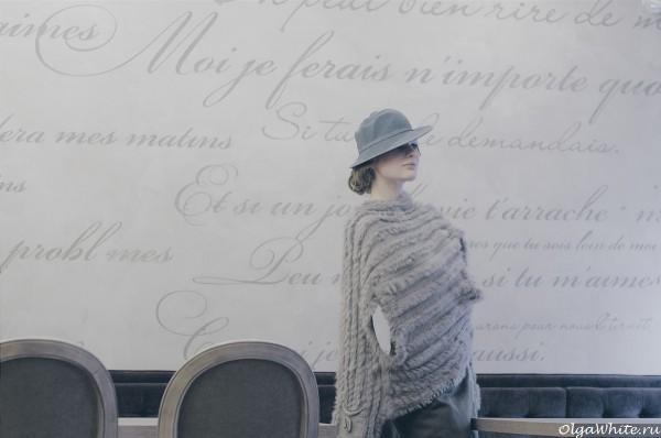 Серая фетровая шляпка на один бок - модная женственная дизайнерская шляпка
