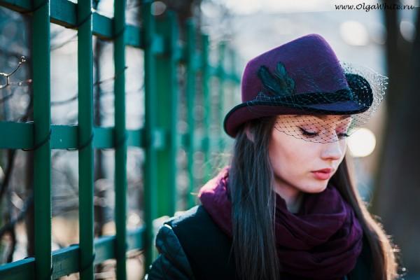Бордовая шляпа фетровая с вуалью. Купить в интернет-магазине СПб
