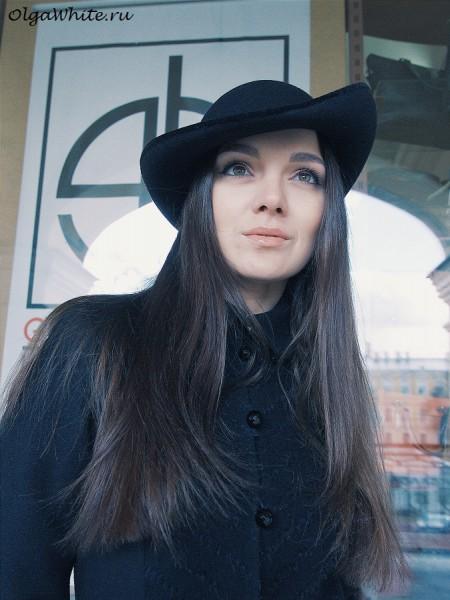 Черная фетровая шляпка загнутыми наверх полями круглой тулей купить в Спб