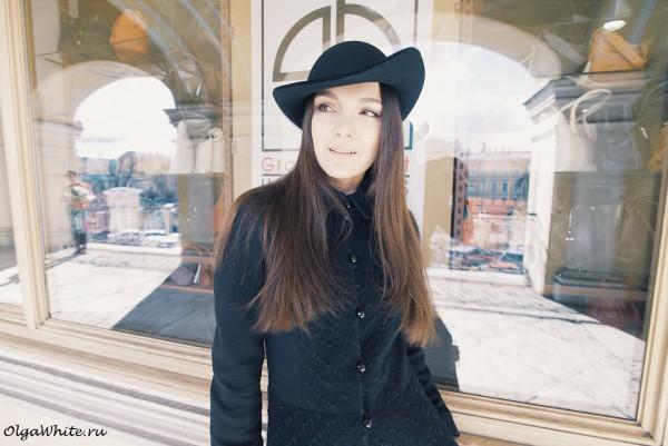 Черная женственная фетровая шляпка загнутыми наверх полями круглой тулей купить в Спб