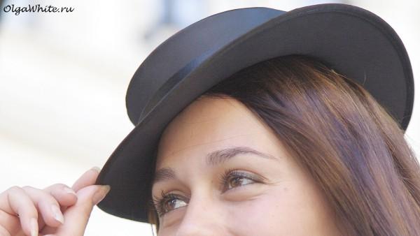 Черная шляпка канотье с маленькими прямыми полями купить в интернет-магазине