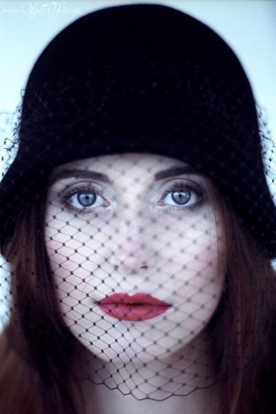 Фетровая черная шляпка-клош с вуалью. Купить можно в интернет-магазине шляп, СПб