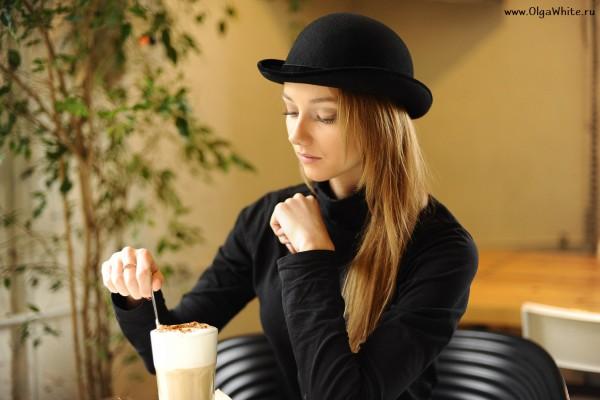 Шляпа котелок черный женский с маленькими загнутыми полями купить