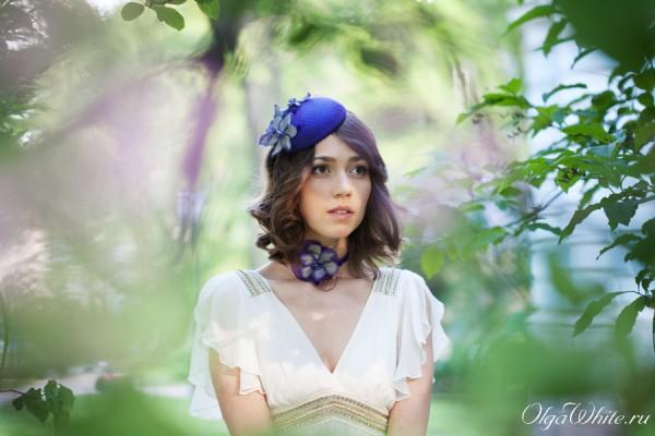Лиловая-фиолетовая шляпка с вуалью