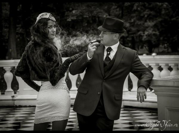 Белая свадебная шляпка пилотка с вуалью и кружевом на невесте