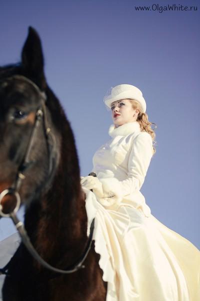 Белый женский цилиндр с вуалью для верховой езды наездницы. Купить или заказать в интернет-магазине
